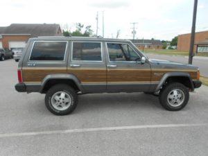1989 JEEP WAGONEER 4X4-$7900