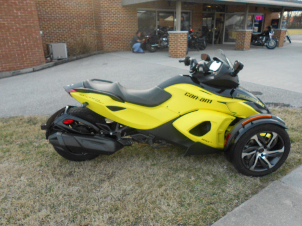 2014 CAN-AM RSS – $12900